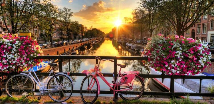 rsz_shutterstock_189863267amsterdam