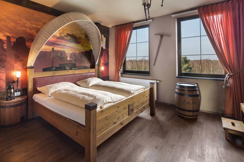 rsz_heide_park_resort_abenteuerhotel_westernzimmer__3_